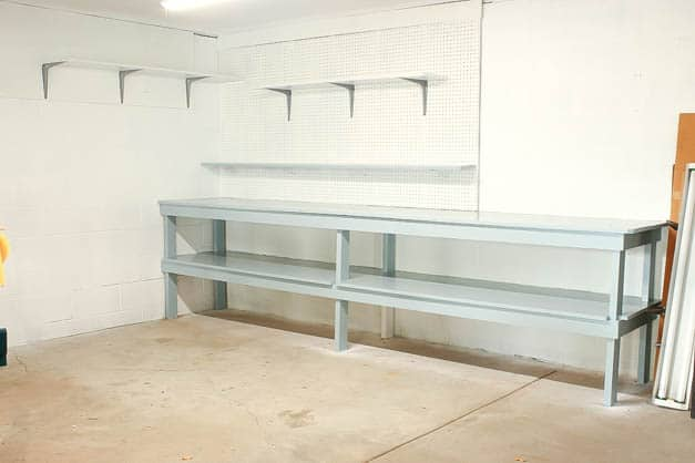 garage-makeover-blue-painted-work-bench