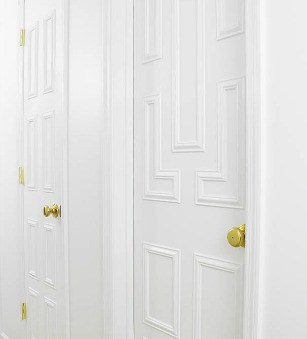 INTERIOR DOOR MAKEOVER USING MOULDING