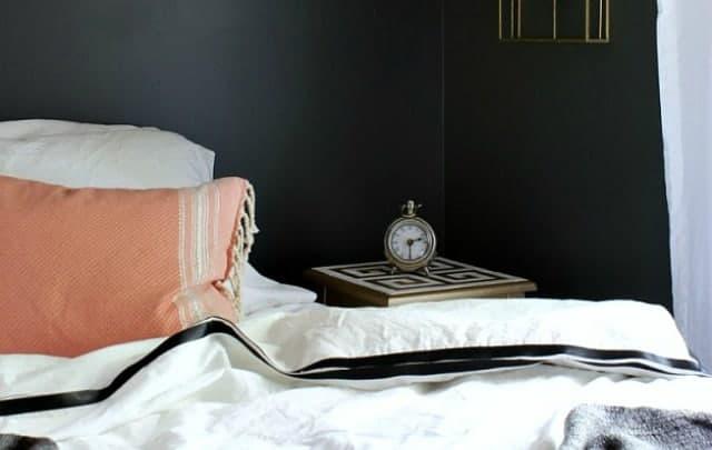 guest-bedroom-slider