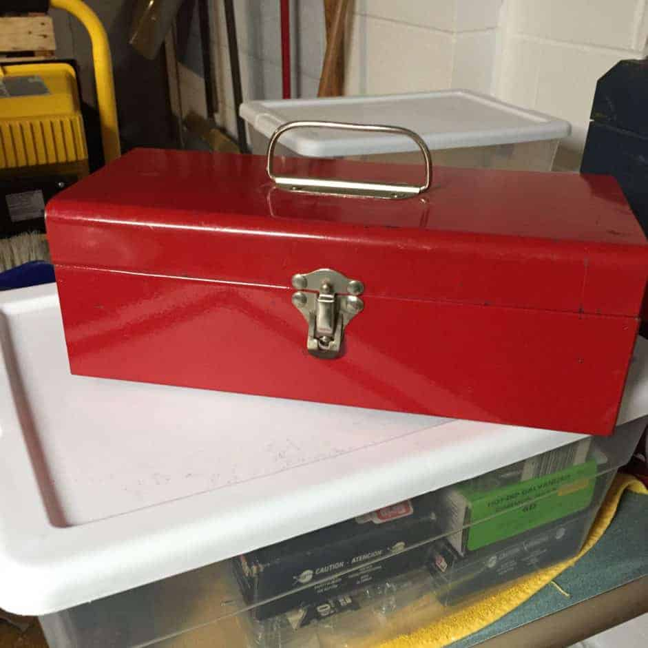 metal-tool-box-makeover-before