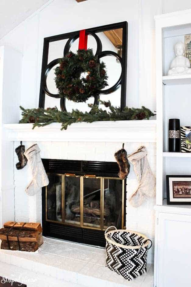modern-traditional-scandinavian-christmas-home-fireplace