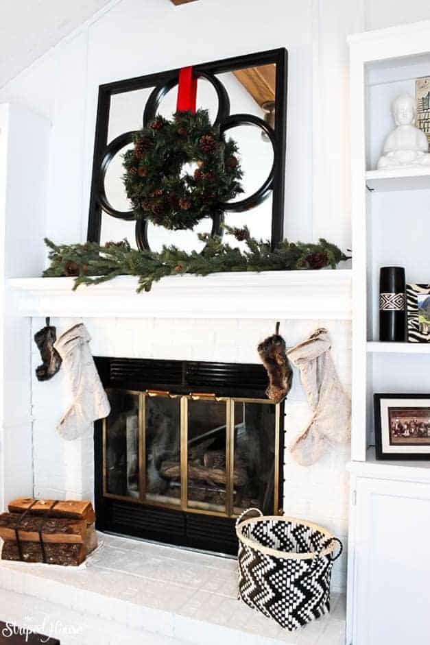 modern-traditional-scandinavian-christmas-home-fireplace