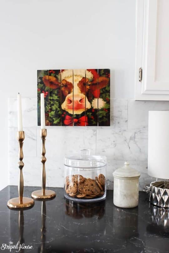 MODERN TRADITIONAL RED AND WHITE CHRISTMAS HOME TOUR