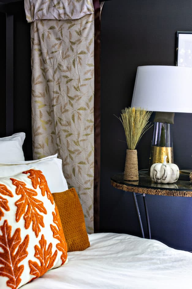 How I decorated my master bedroom for fall. Autumn themed decor and DIY ideas for your home. #ad #handmadewithjoann