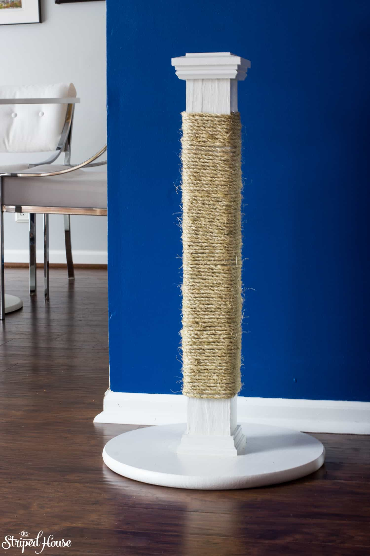 durable and stylish diy cat scratching post