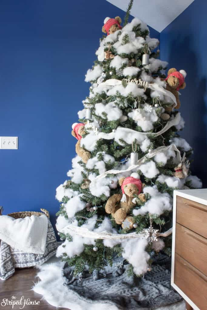A fun winter Christmas tree perfect for teddy bear snow day! Winter themed woodland christmas tree decorations on a DIY flocked Christmas tree.